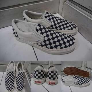 Sepatu Kets Sneakers Vans Slip On OG Checkerboard Catur Classics Canvas Dark Blue Biru Tua