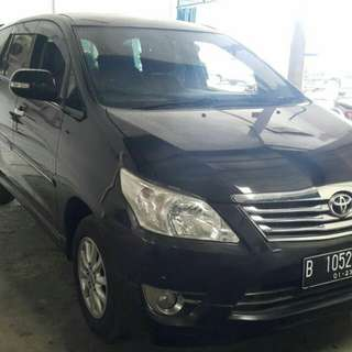 Toyota Kijang Innova V AT 2013