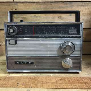 VINTAGE RADIO (NOT FUNCTION FOR DISLPALY)