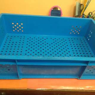 Plastic Crates/Shipping container