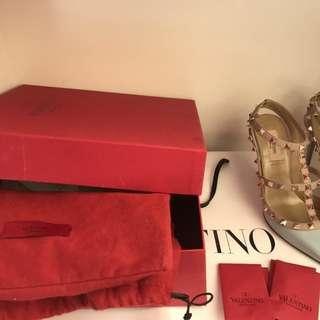 BRAND NEW Valentino Rockstud Heels