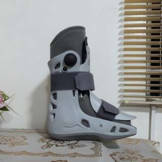 Aircast Boot for 4800 Negotiable