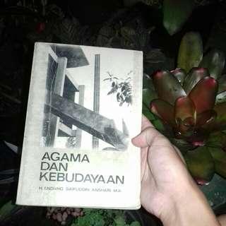 Agama dan Kebudayaan oleh H. Endang Saifuddin Anshari M.A.