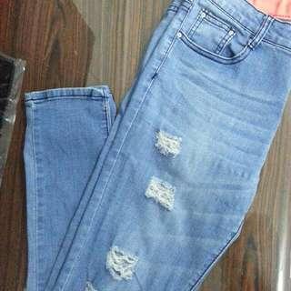 淺藍刷破牛仔褲 #舊愛換新歡