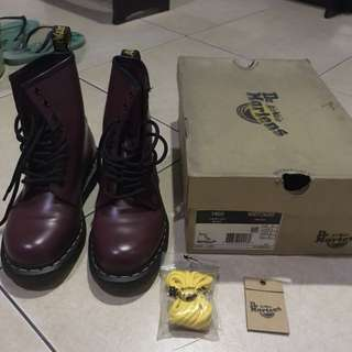 DR. MARTENS 1460 CHERRY RED ROUGE