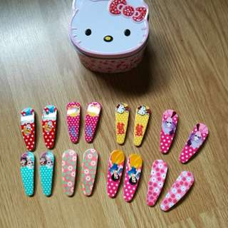 NEW! 16 hair clips + FREE hello Kitty container