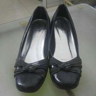 Cole Black Pantofel Shoes