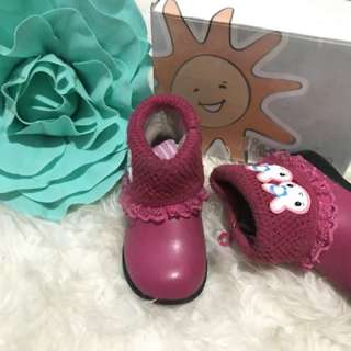 sepatu boot pink fuschia merk little m