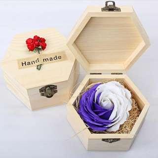[送禮之選] 華麗香皂玫瑰*雪花紫 配木製禮盒