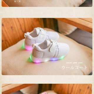 🆕🈹男女裝白色閃燈運動鞋