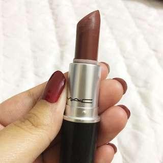 MAC lipstick in Whirl