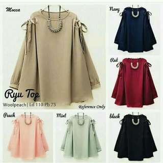 Ryu top. Bahan wolfis  ukuran fit L.
