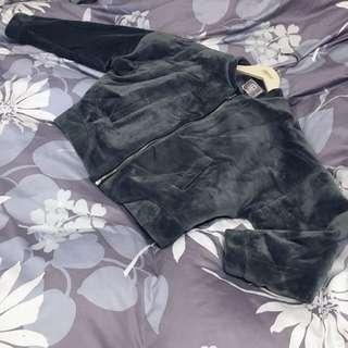 MJ style tank tone flannel zip jacket 🐨