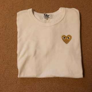 COMME des GARÇONS PLAY WHITE T SHIRT WITH GOLD HEART SIZE S