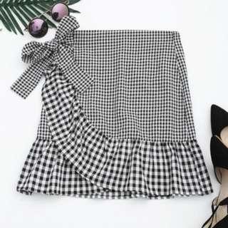 New Ruffle checked tie skirt