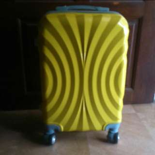 "Like New 20"" Hard Case Cabin Luggage Bag For Sales"
