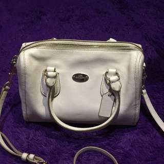 PRELOVED. Coach Sling Bag