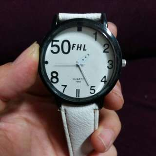 🚚 沒電的手錶