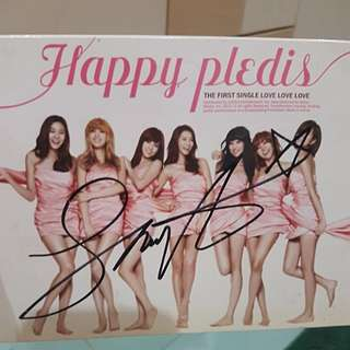 (Signed) Happy Pledis the 1st single Love Love Love