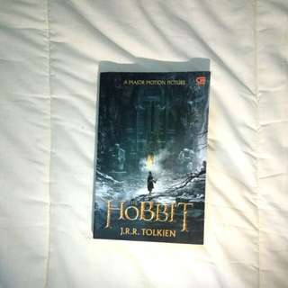 The Hobbit Novel (Bahasa Indonesia) by J.R.R Tolkien