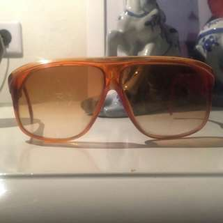 Kacamata jadul (vintage)