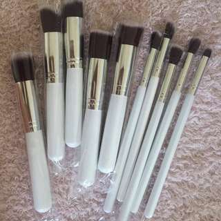 Generic make-up brushes