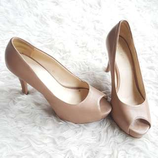 nine west nude basic heels