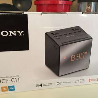 Sony 收音機鬧鐘