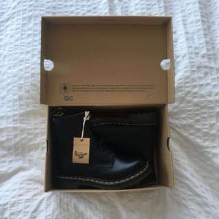 Brand new Dr Marten's 1460 Smooth boots