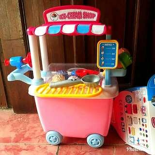 Mainan gerobak es krim unik