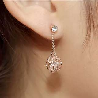 Rose Gold Crystal Earrings 玫瑰金水晶耳環