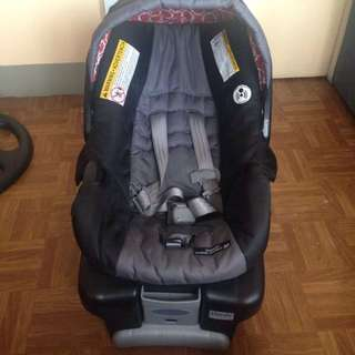 REPRICED Graco carseat