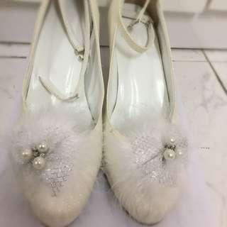 珍珠白珍珠高跟鞋 (size: 38)