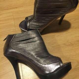 Carlos Santana Funky peep toe shoes