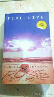Novel Sunset bersama Rosie Tereliye