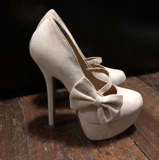 Wild diva suede heels with bow on side (size 5)