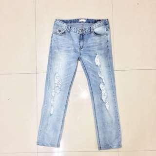 韓國淺色刷破牛仔褲