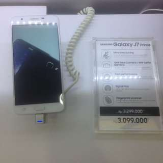 Samsung Galaxy J7 Prime (Bunga 0.9% Cicilan Tanpa CC)