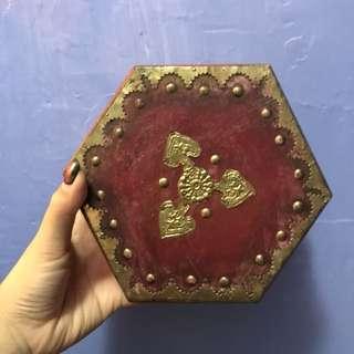 Vintage Style Hexagonal Box