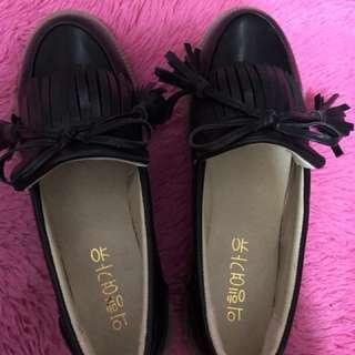 全新平底流蘇鞋-黑色