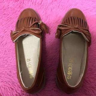 全新平底流蘇鞋-棕色