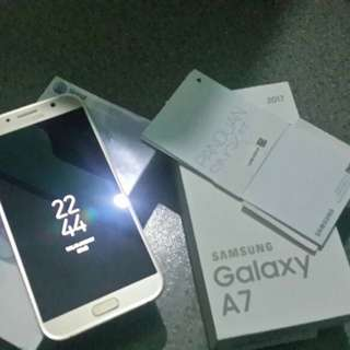 Samsung Galaxy A7 2017 Gold