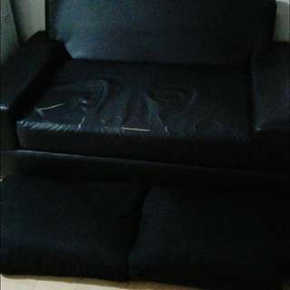 Couch needs a new home 2200 only pick up pasig