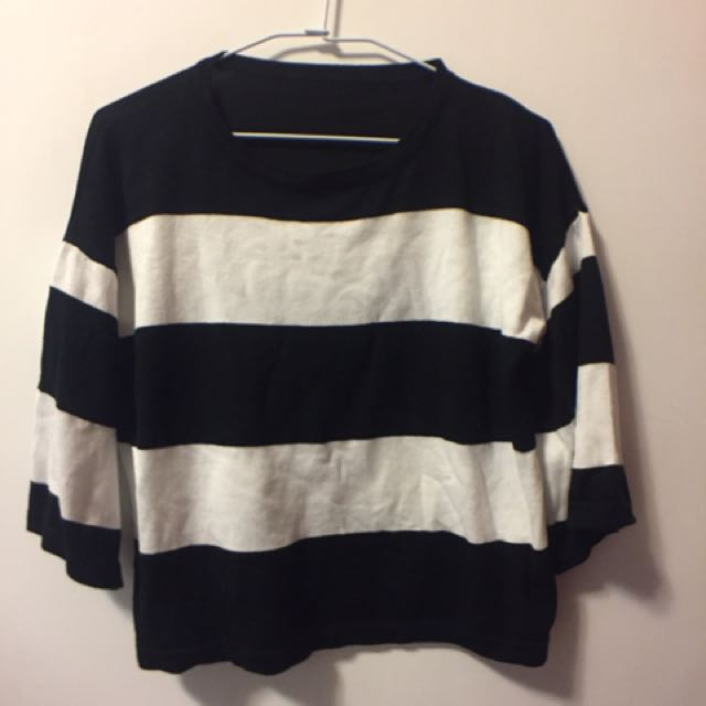 黑白條紋針織上衣