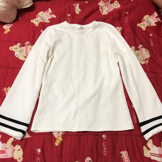 米白色 線條長袖上衣