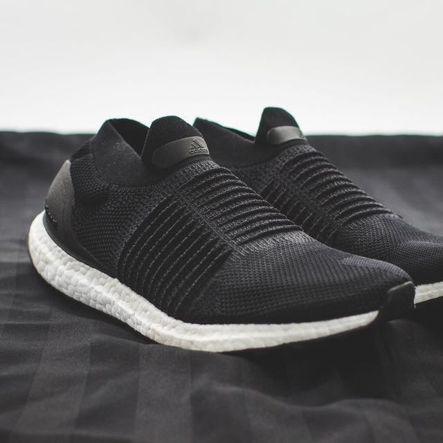553a13b31 Adidas Ultra Boost Laceless (Core Black), Men's Fashion, Footwear on  Carousell