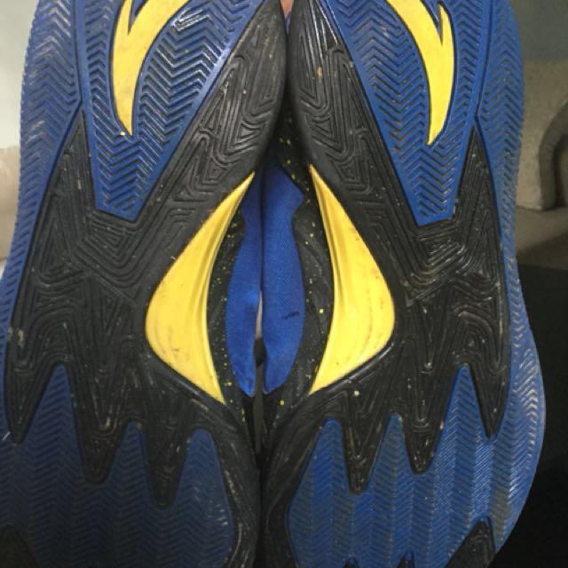 Anta Basketball shoes size 11