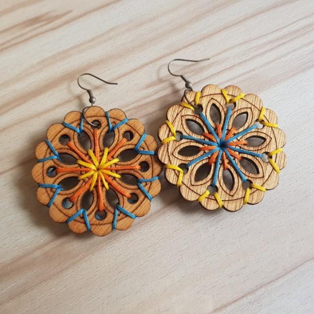 Anting Kayu Handmade Earrings