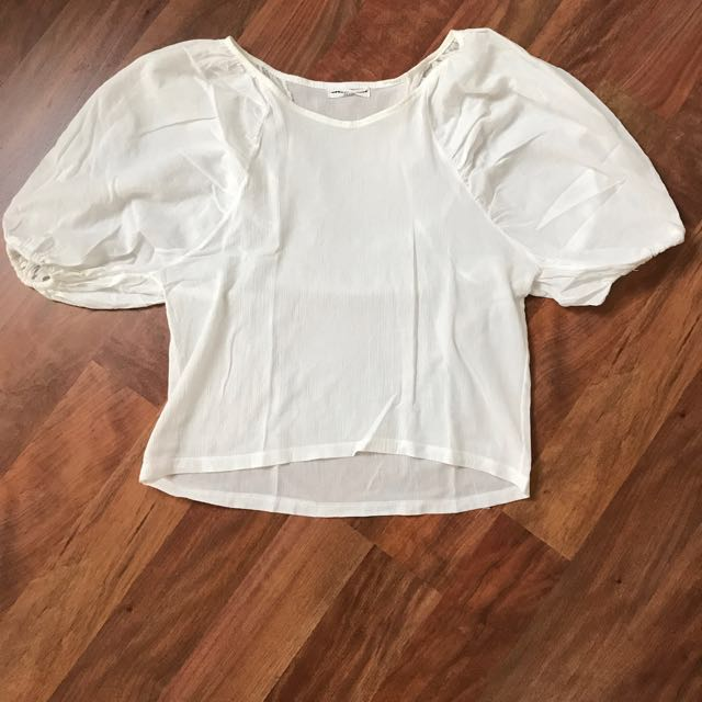 AUGUST LOUNGE white blouse