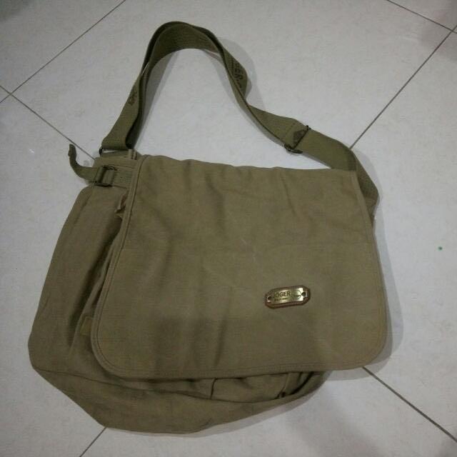 #awaltahun Tas Selempang Joger (Authentic), Men's Fashion, Men's Bags & Wallets, Sling Bags on Carousell